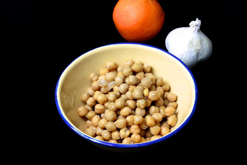Orangenhummus mit Räucherforelle3