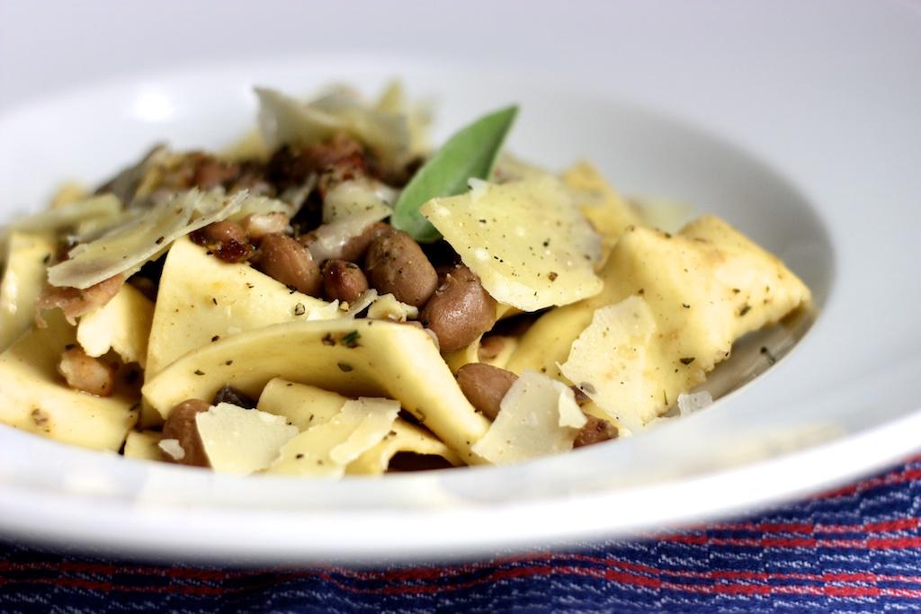 Hausgemachte Pappardelle mit Borlotti-Bohnen3