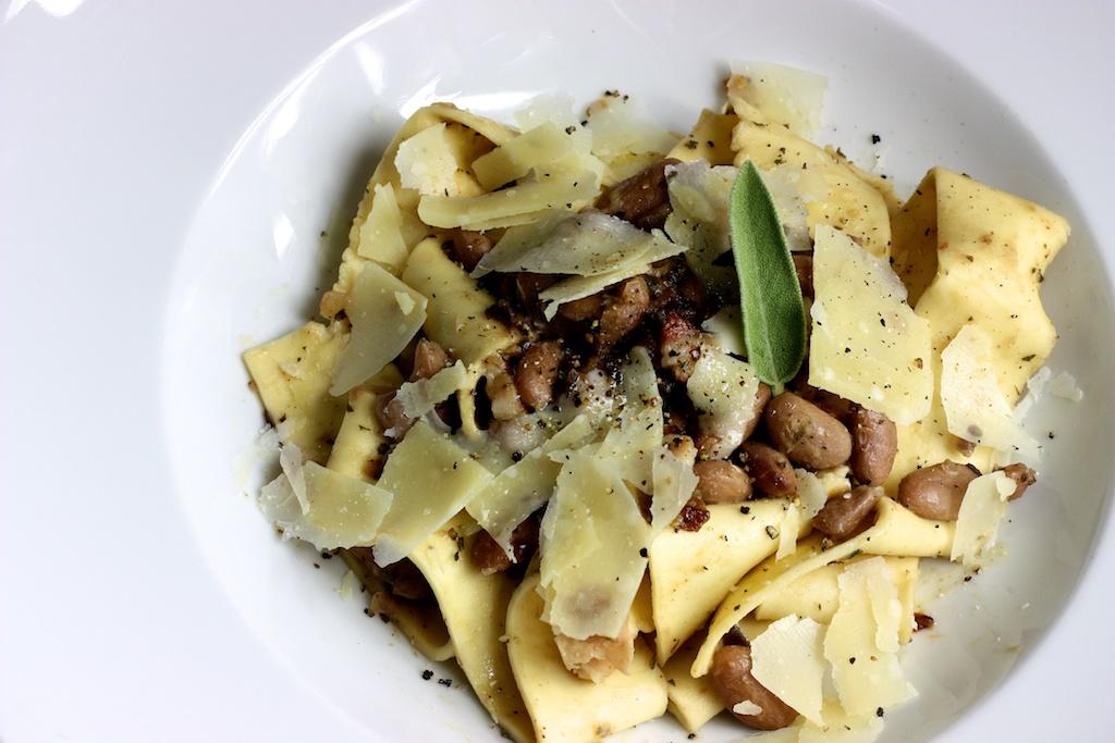Hausgemachte Pappardelle mit Borlotti-Bohnen4