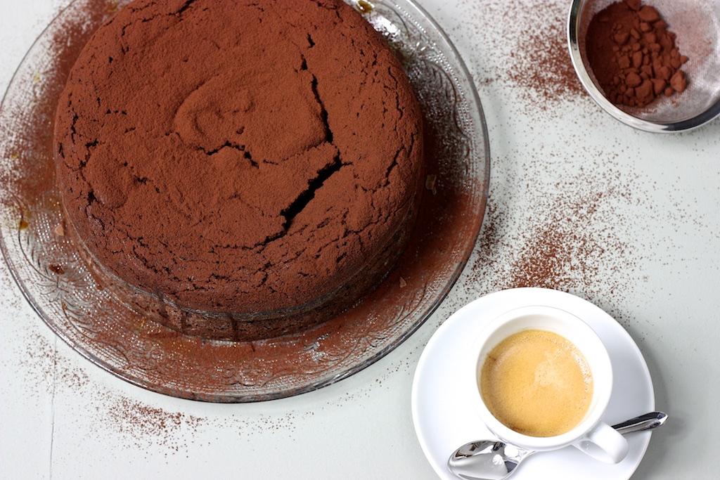 Schokoladen-Masala-Kuchen mit Espresso-Sirup4
