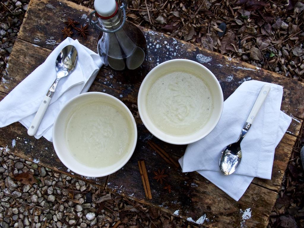 Pastinakensuppe mit Chaisirup
