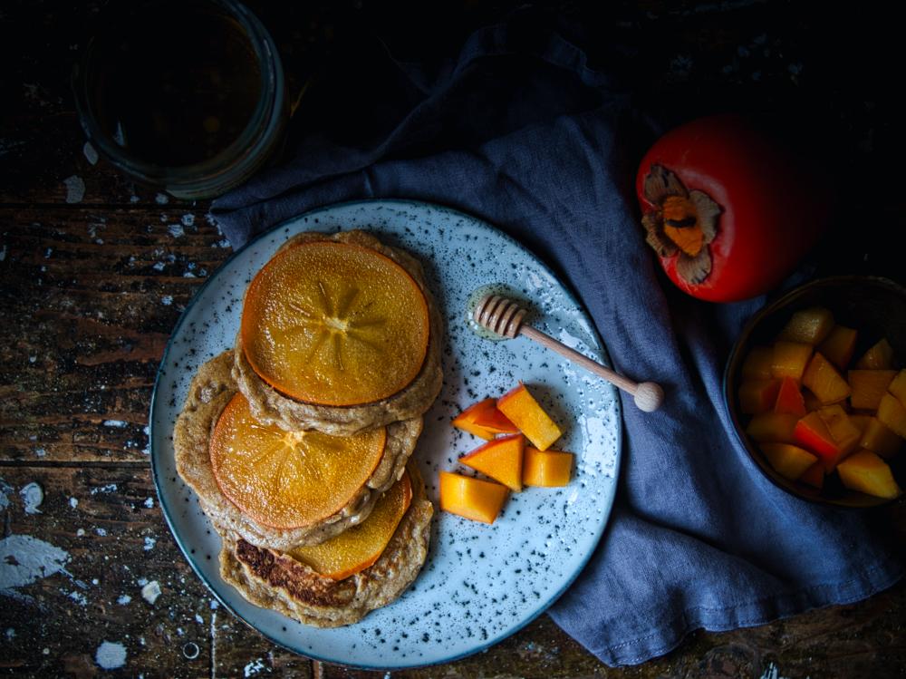 Spekulatius-Pancakes mit Kaki